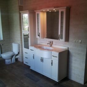 Мебель из ЛДСП в интерьере ванной комнаты