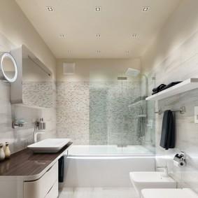 Тумба с лакированной столешницей в ванной комнате