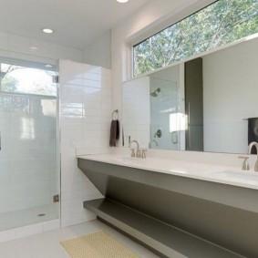 Стильная ванная комната в духе минимализма