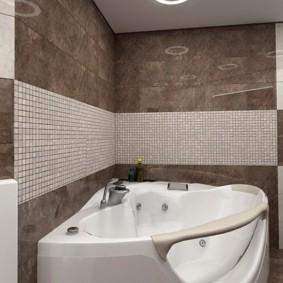 Интерьер ванной комнаты с контрастной плиткой