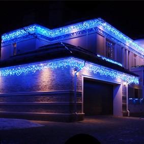 Освещение гирляндами контура дома к Новому году