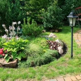 Садовый фонарик на солнечной батарее