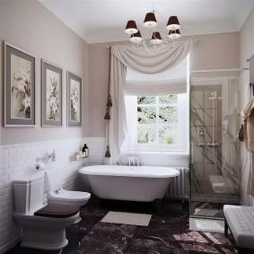 Светлая штора с ламбрекеном в интерьере ванной
