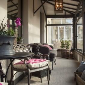 Застеленный балкон в частном доме