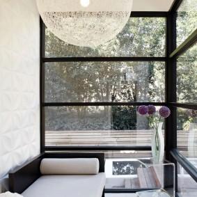 Шарообразный плафон потолочного светильника