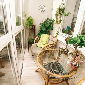 Стильная мебель в интерьере балкона