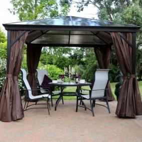 Садовые стулья с высокими спинками