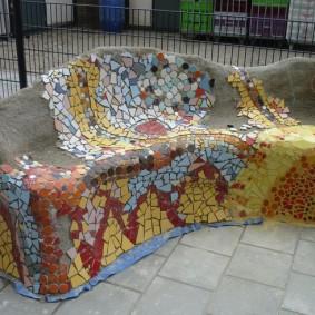 Железобетонная скамейка с мозаичным декором