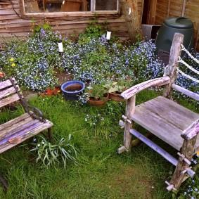 Самодельная мебель из дерева для сада