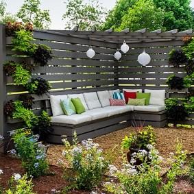 Садовый диван угловой формы