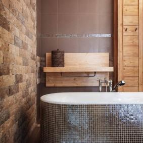 Декор стены ванной природным камнем