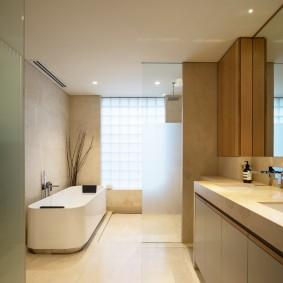 Минималистический интерьер ванной комнаты