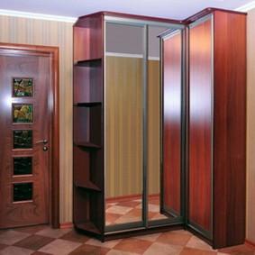 Г-образный шкаф с раздвижными дверями