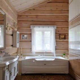 Фото ванной комнаты с окном в стене