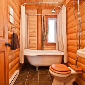 Напольный унитаз с деревянной крышкой