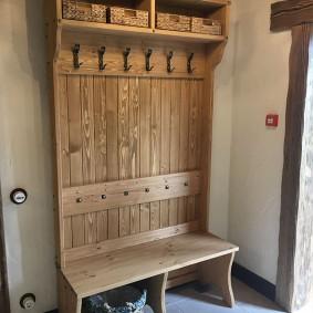 Напольная вешалка в деревенском стиле