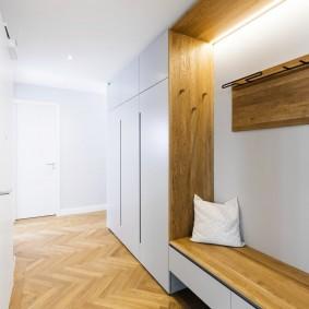 Гладкие фасады мебели в стиле минимализма
