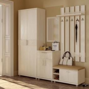 Мебельный гарнитур в прихожую современного стиля