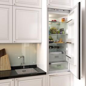 Холодильное отделение с продуктами питания