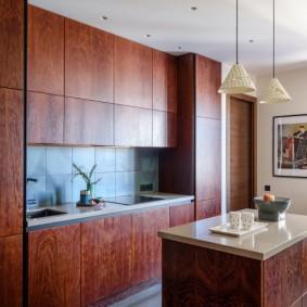 Красивая кухня с минимумом мебели