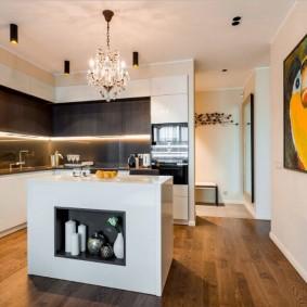 Выразительная картина на стен кухни