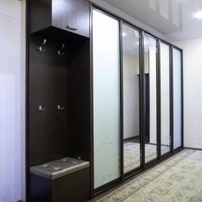 Купейный шкаф с узкими дверями