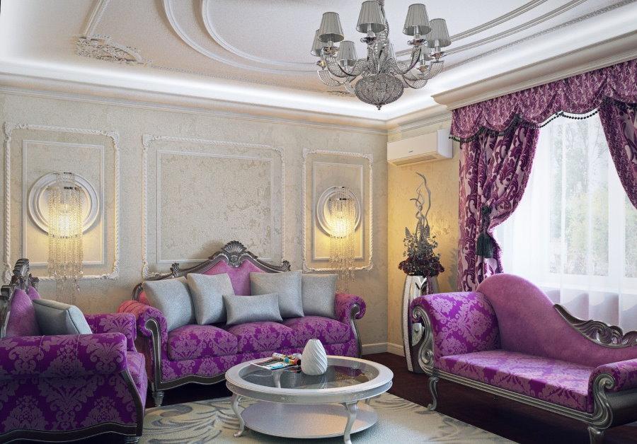 Фиолетовый диван в гостиной классического стиля