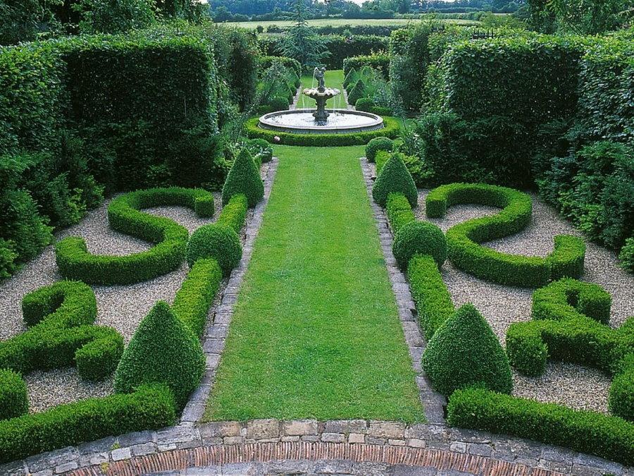 Оформление садового участка в классическом стиле