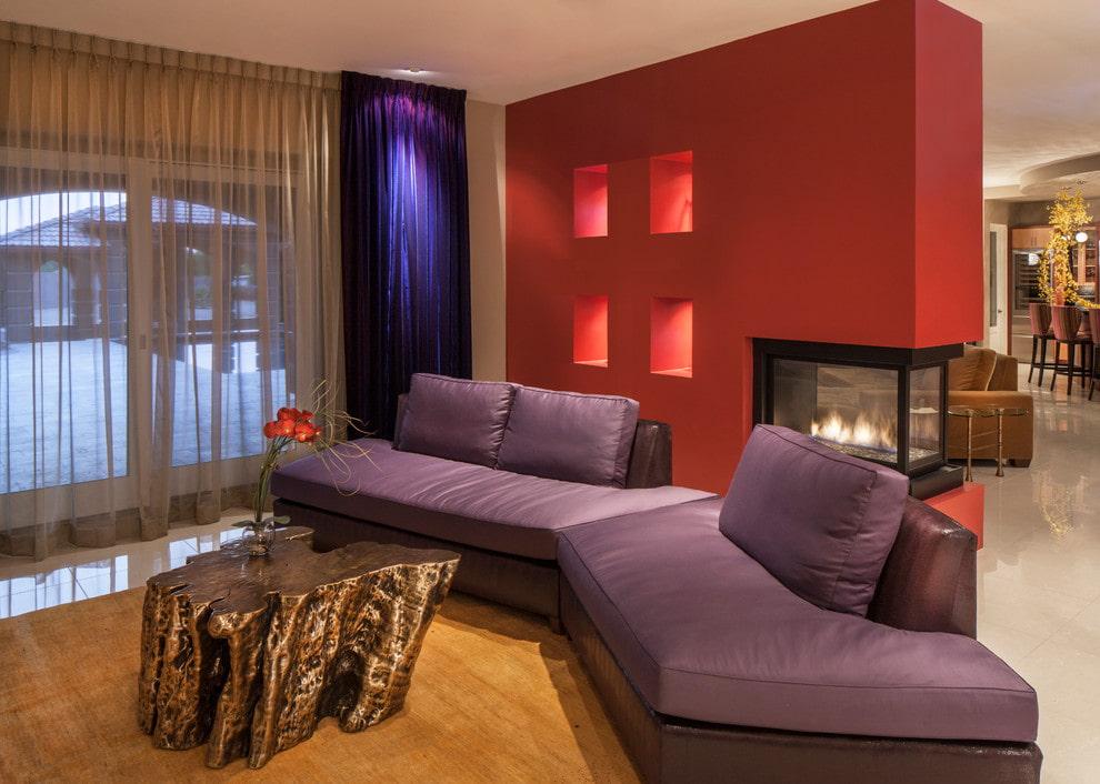 Модульный диван с обивкой из фиолетовой кожи
