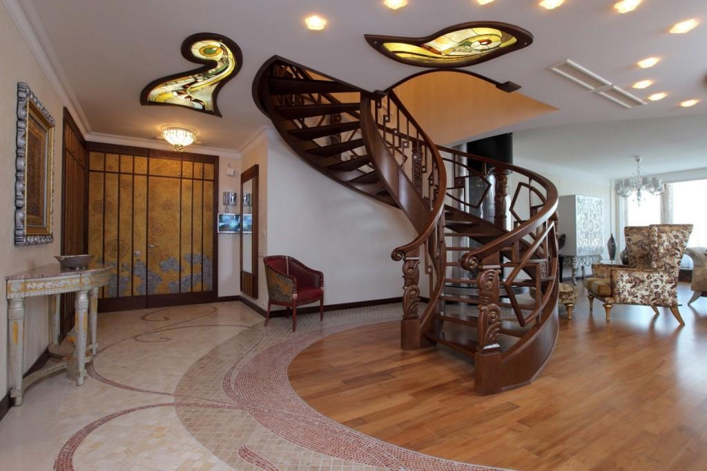 Деревянная лестница винтового типа в стиле модерн