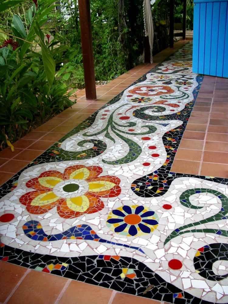 Садовая дорожка с мозаикой из керамики