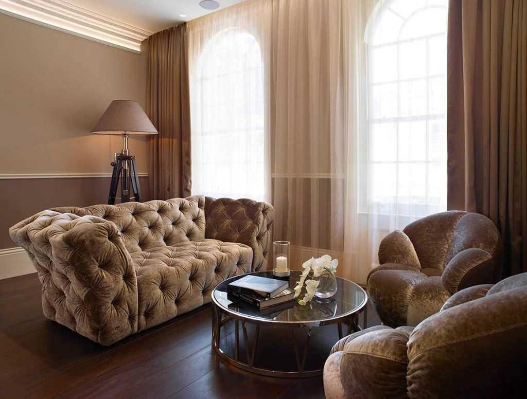 Подбор обивки дивана под обои на стене