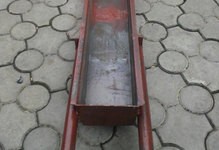 Самодельная опалубка для заборного столба из бетона