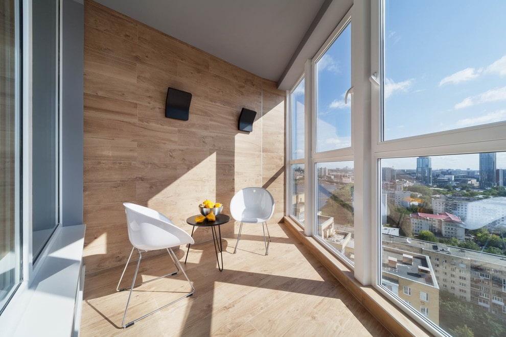 Панорамное остекление лоджии ПВХ-окнами