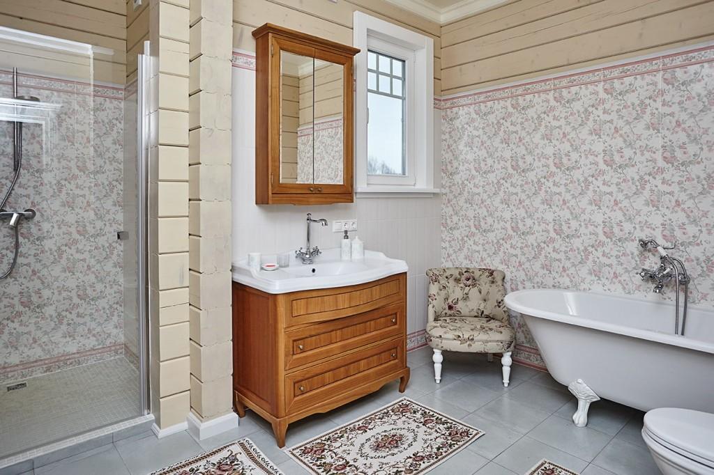 Ванная в стиле прованс в деревенском доме
