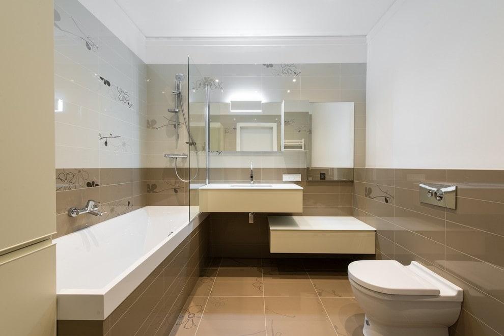 Светло-кофейная плитка в отделке ванной комнаты