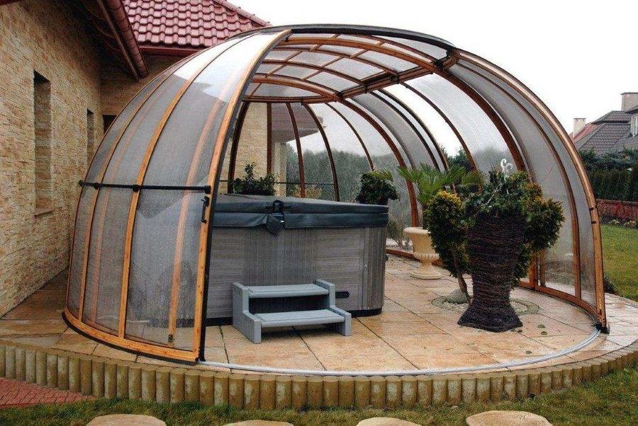 Раздвижной купол из поликарбоната для бассейна на даче