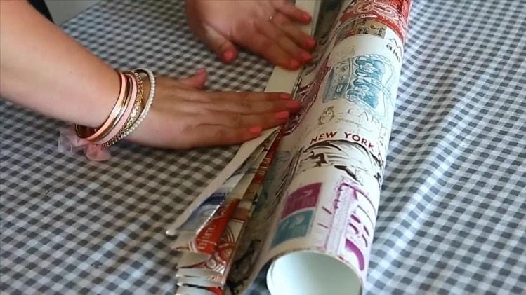 Складывание гармошки для штор из полотна обоев