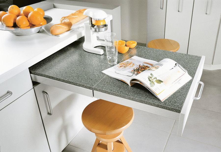 Выдвижной стол с керамической поверхностью