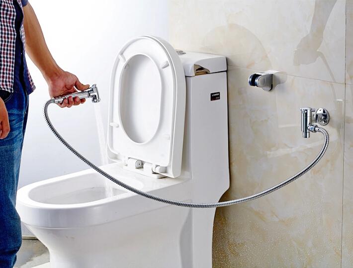 гигиенический душ с кнопкой на лейке