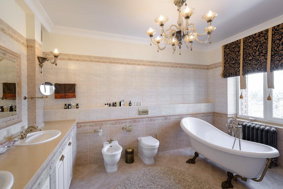 Дизайн большой ванной в стиле арт-деко с окном