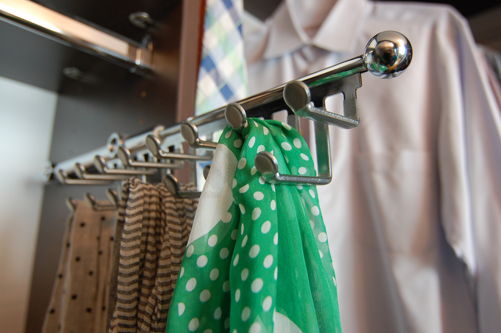 выдвижная вешалка для женских платков