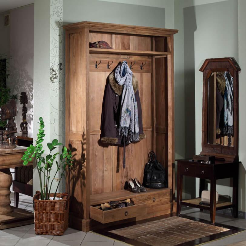 Шкаф с тумбой и открытой вешалкой в стиле кантри
