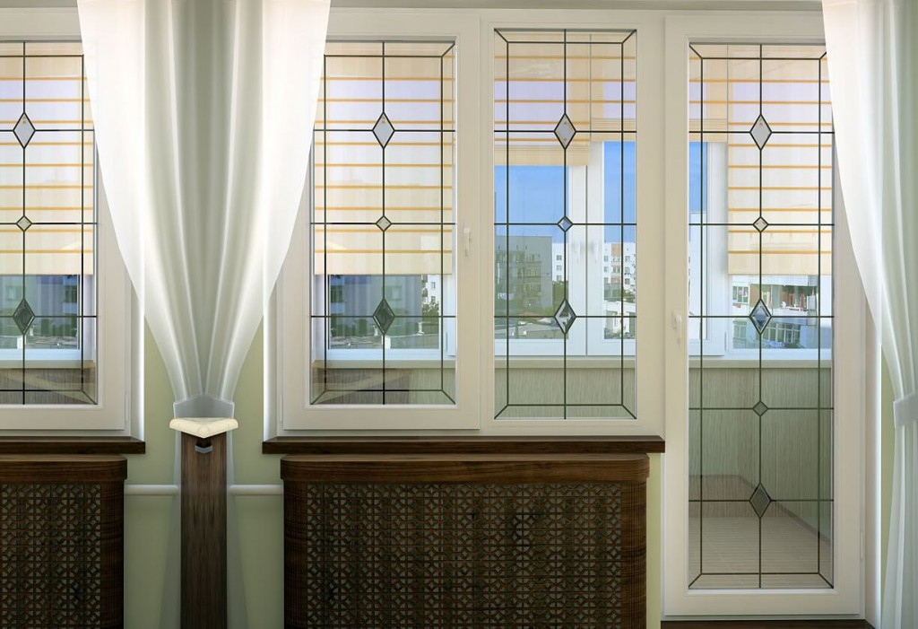 Дизайн балконного блока с витражными стеклами