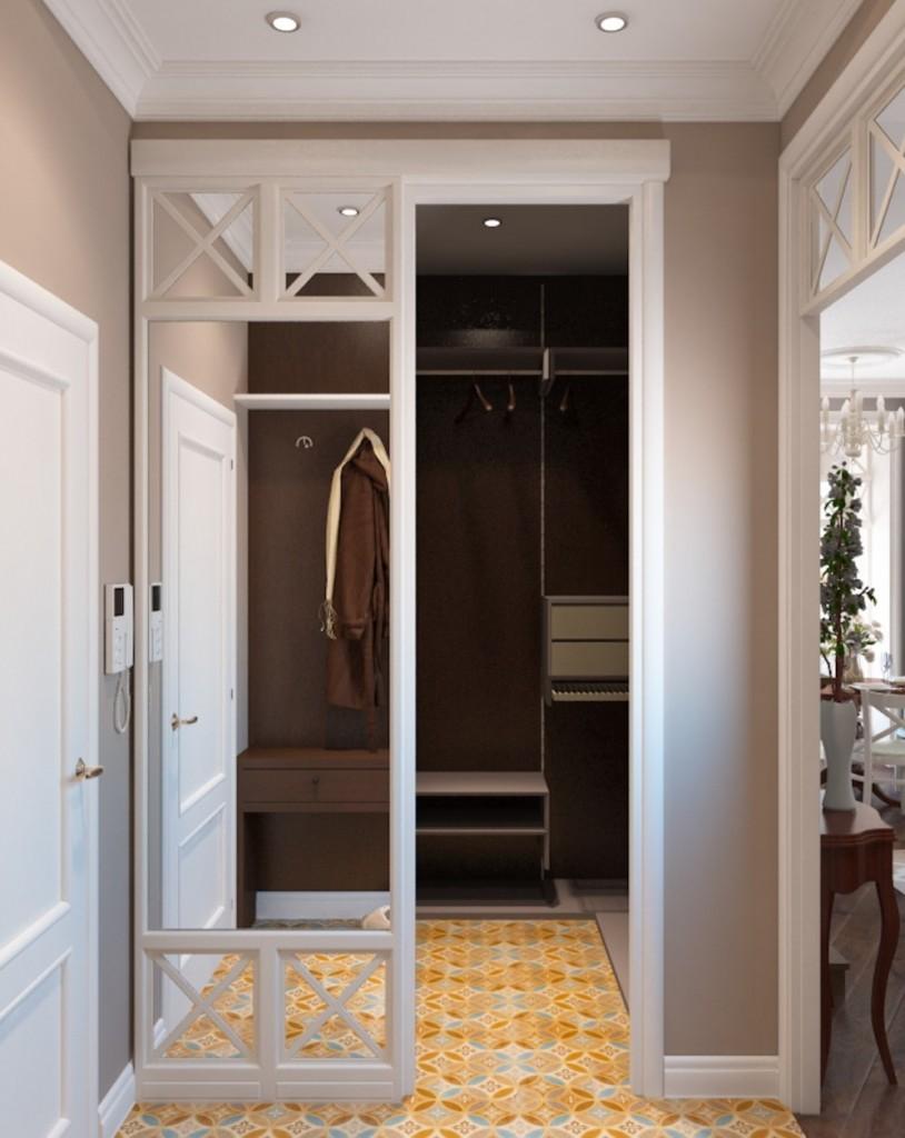 Зеркала на дверных полотнах гардеробной в кладовке