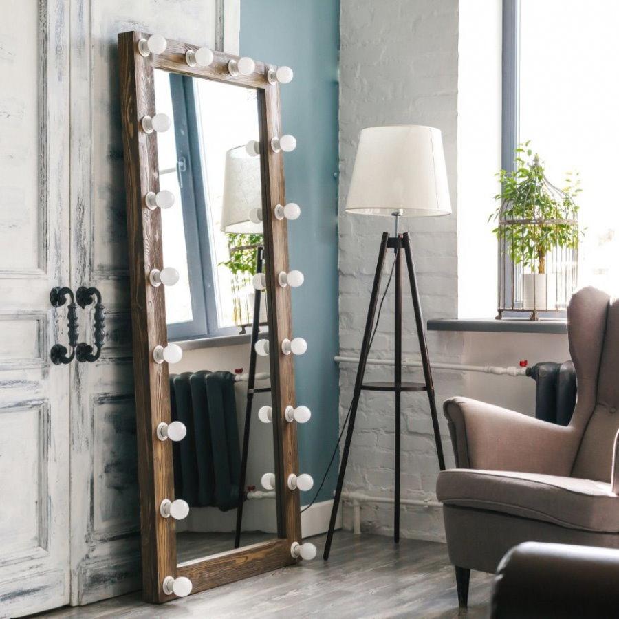 Зеркало визажиста в интерьере квартиры