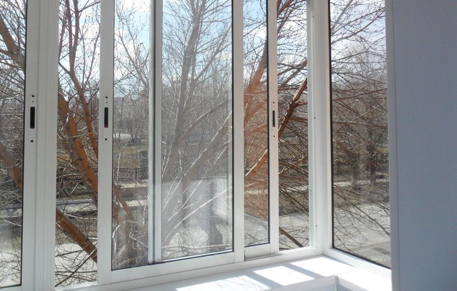 Алюминиевые окна с одинарным стеклопакетом