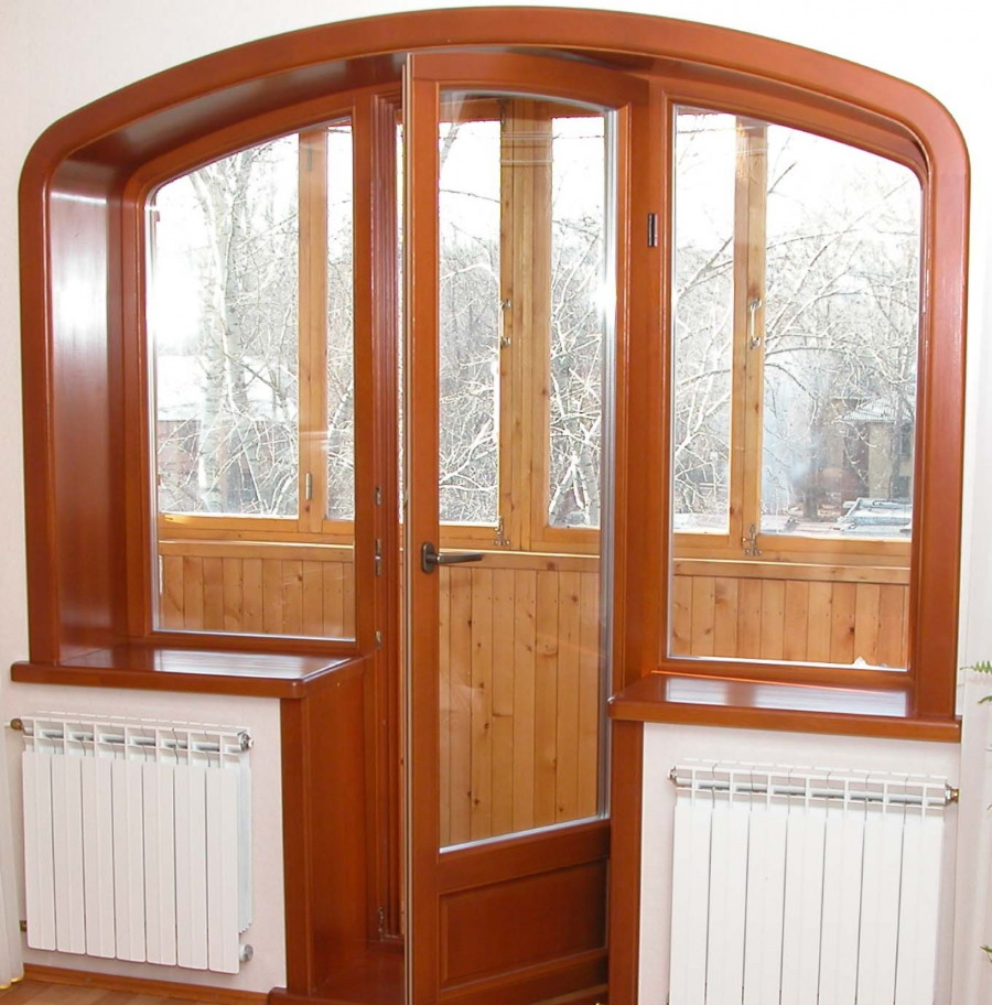 Балконный блок в арочном проеме