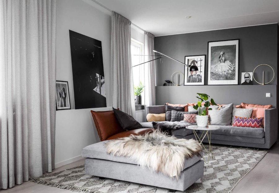 Бело-серая комната маленького размера