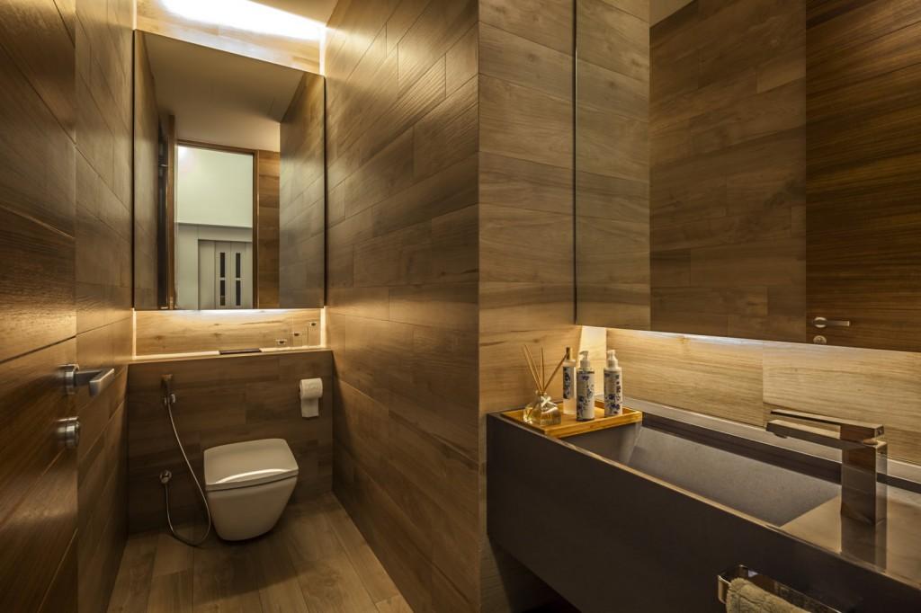 Оригинальное оформление сантехнического шкафа в туалете